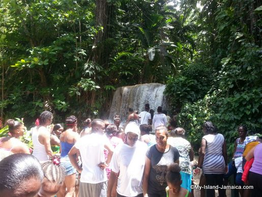 turtle_river_falls_visitors_jamaica