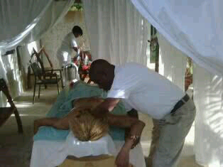 Michale Vanreel, Professional Jamaican Masseur at work