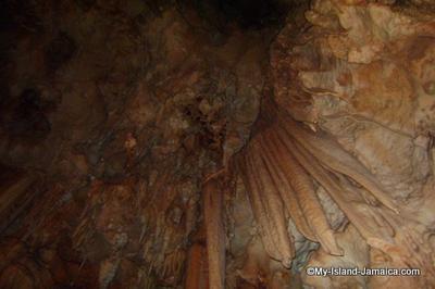 Jamaican Cave - Alien Features?