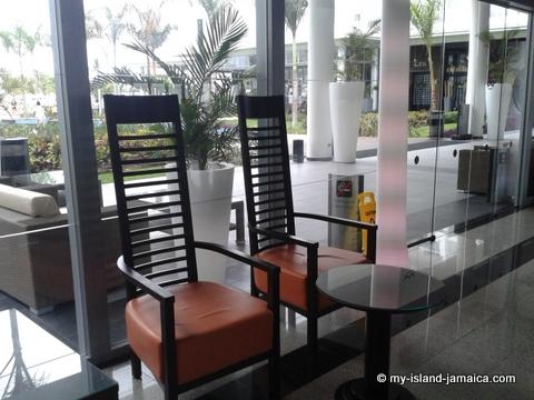 chairs_at_reception_at_riu_palace_jamaica