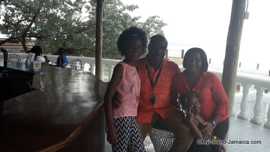 cheap_hotels_in_montego_bay_sea_gardens_resort_fayle_jamaican_family_photo