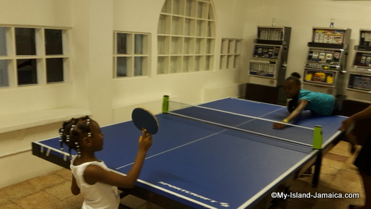 cheap_hotels_in_montego_bay__sea_gardens_resort_table_tennis