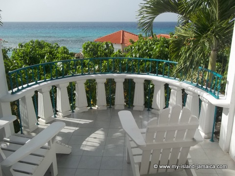 places to stay in jamaica -fdr_resort_in_jamaica_balcony