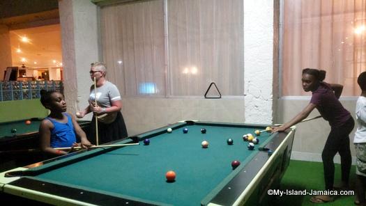 holiday_inn_montego_bay_pool