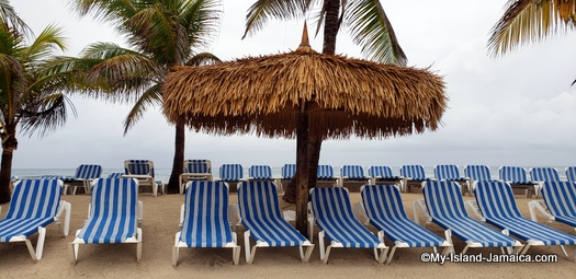 holiday_inn_resort_montego_bay_chairs