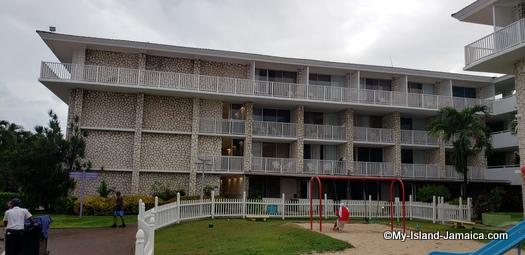 holiday_inn_resort_montego_bay_property