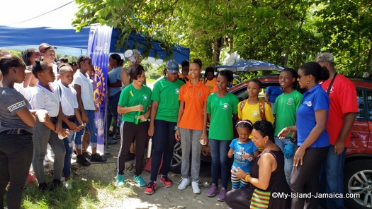 international_coastal_cleanup_day_jamaica_gifting