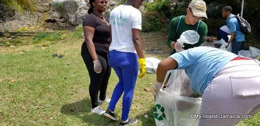 international_coastal_cleanup_day_jamaica_lady_bend