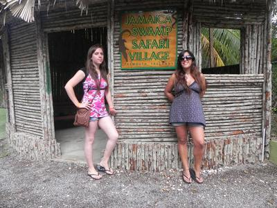 jamaica_swamp_safari_village_ladies_posing