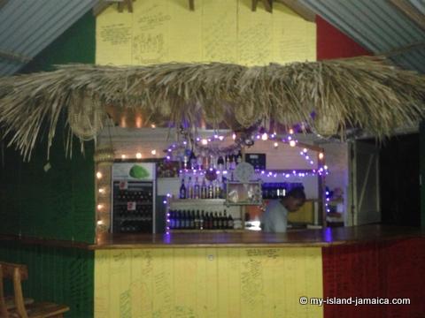 jamaica_beach_house_little_bay_cabins_bar