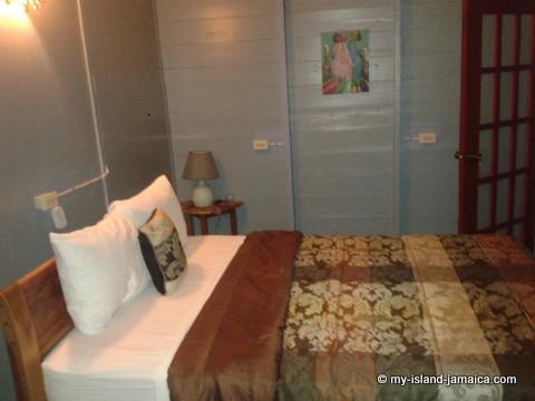 jamaica_beach_house_little_bay_cabins_bedroom