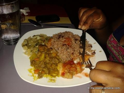 jamaica_beach_house_little_bay_cabins_dinner_curried_goat