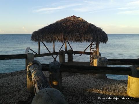 jamaica_beach_house_little_bay_cabins_hut2