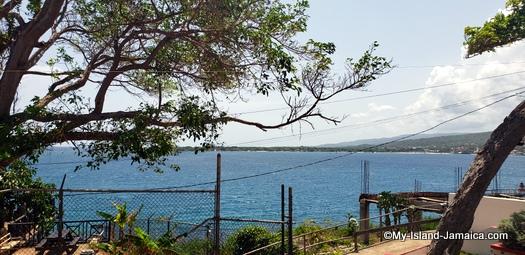 jamaica_road_trip_overlooking_puerto_seco_beach