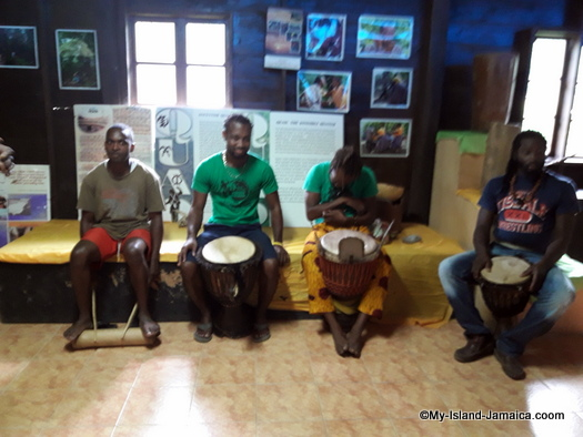 jamaican_maroon_charlestown_drummers