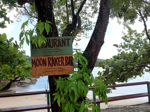 james_bond_beach_bar_restaurant