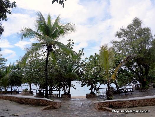 james_bond_beach_view