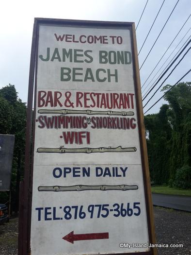james_bond_beach_welcome_sign