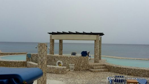 negril_jamaica_resorts_the_spa_retreat_hotel_seaside_pool