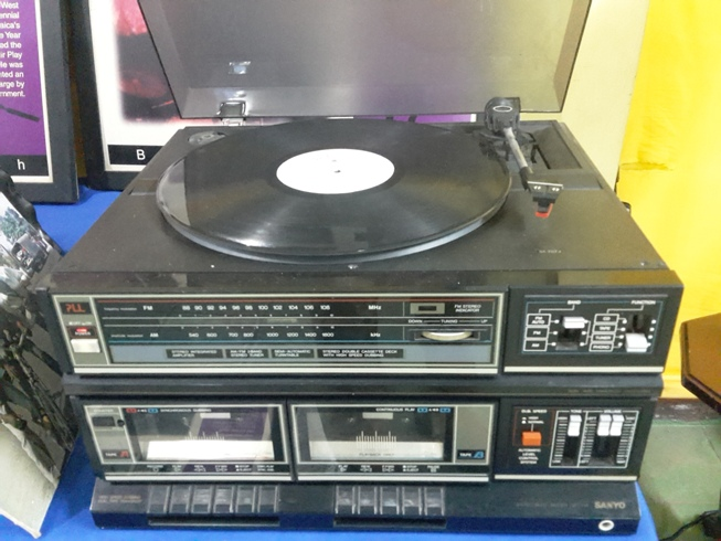 Jamaican record changer (turntable)