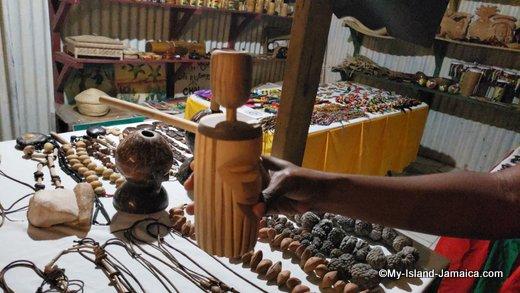 rastafari_indigenous_village_jewelry_gift_shop