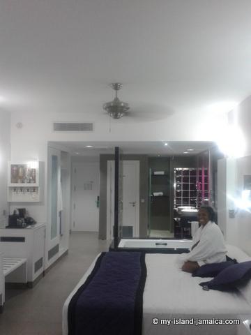 relaxing_in_room_at_hotel_riu_jamaica