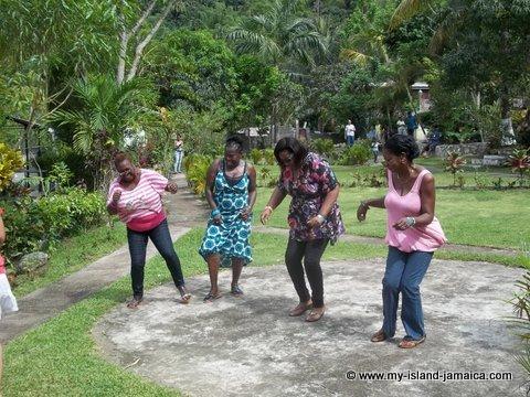 Jamaican ladies dancing at Tapioca Jamaica50 dancing competition