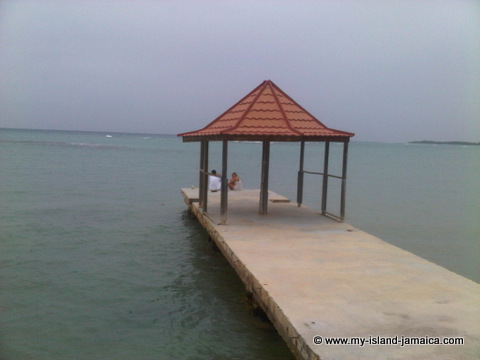 blue_waters_grill_wedding_gazebo